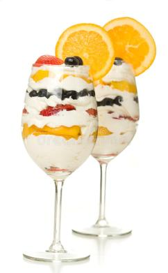fruit-parfait-wine-glass